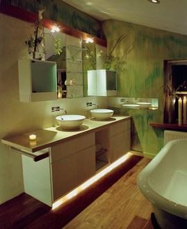 グリーンの雰囲気のバスルーム3